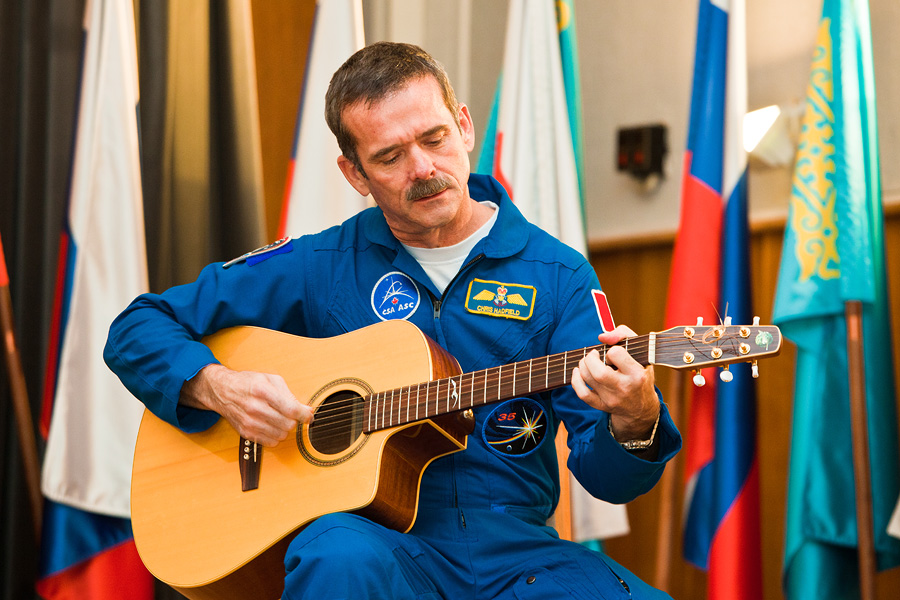 Какая пенсия у героя России