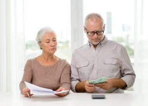 Можно ли оформить пенсию работающему пенсионеру