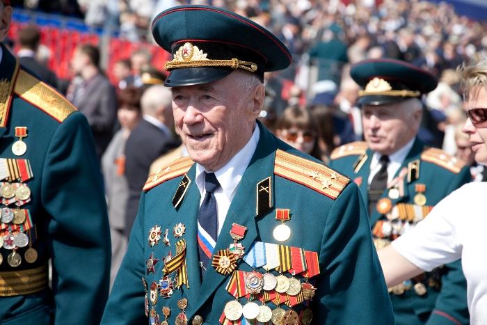 сколько пенсионеров в россии на 2016 год количество