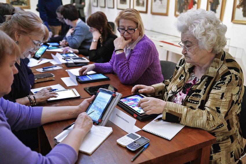 Перерасчет работающим пенсионерам какие документы нужны