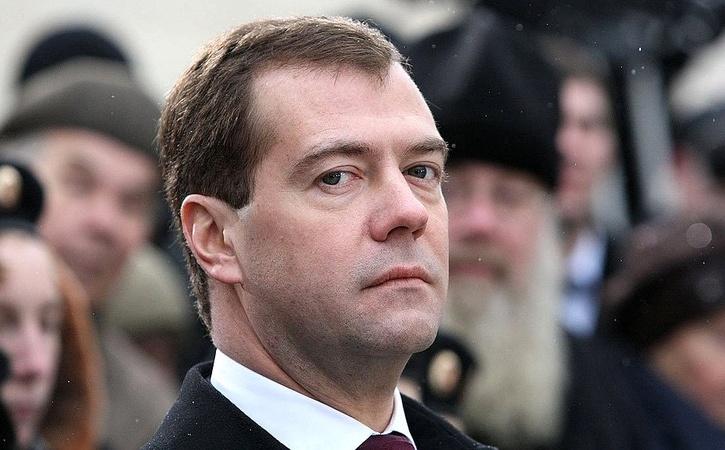 Медведев считает, что единовременная выплата 5000 рублей сопоставима с индексацией пенсий