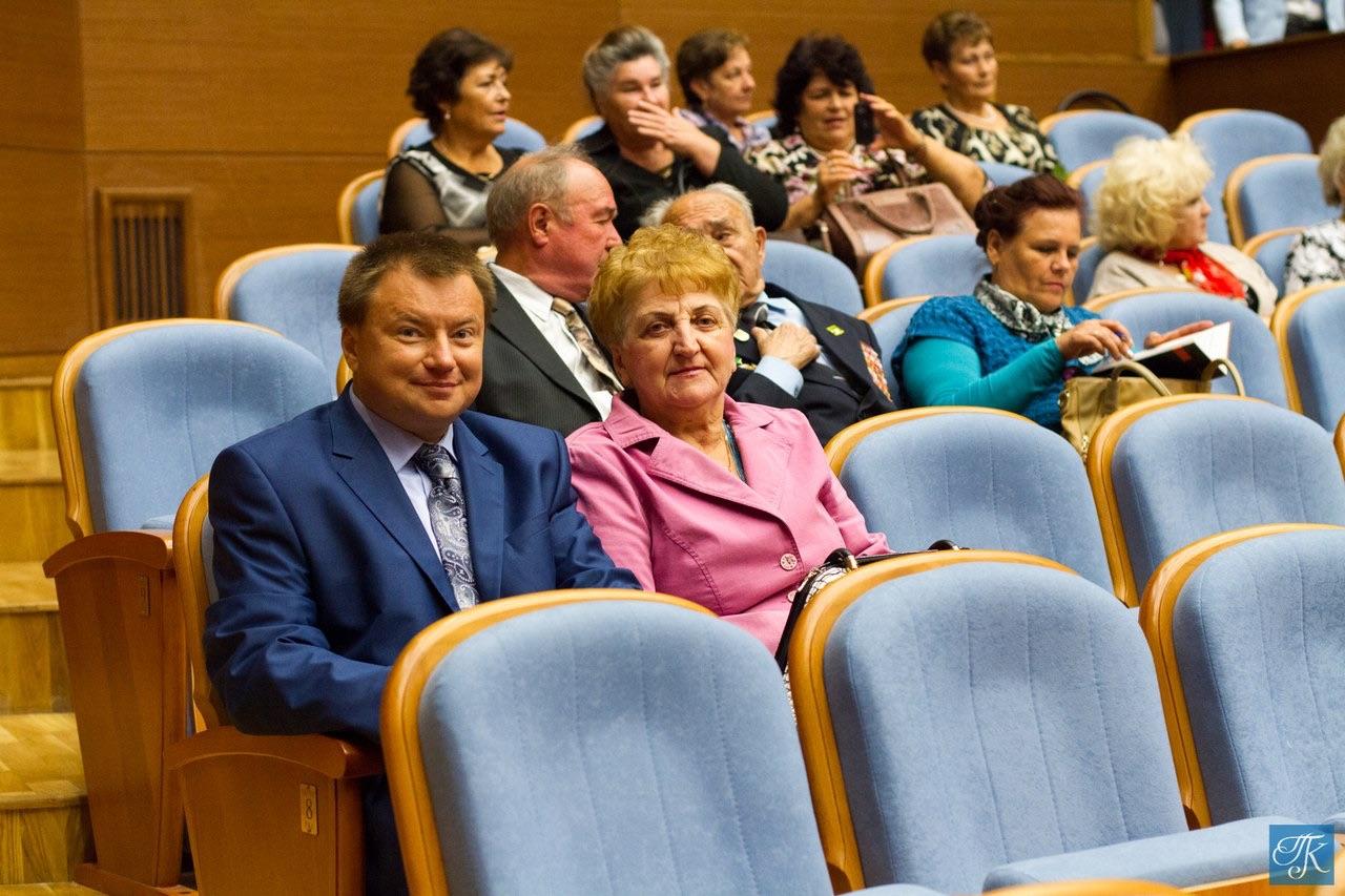 Клубы по интересам для пожилых людей: план работы и мероприятий