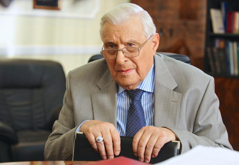 Какая пенсия у Басилашвили?