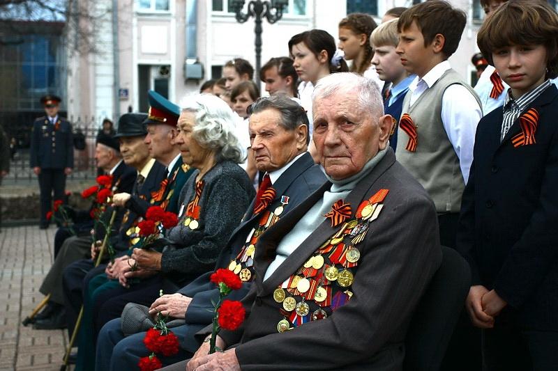 Сколько пенсия у ветеранов ВОВ в России?