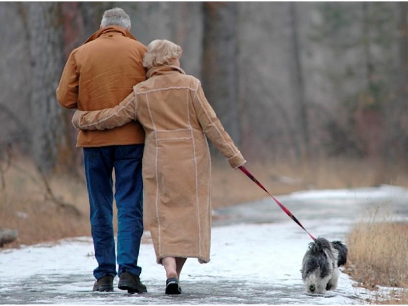 Сколько в среднем лет живут мужчины и женщины в России: таблица по регионам на 2017 год
