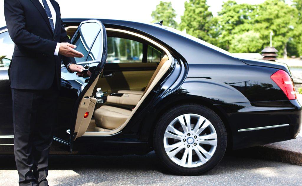 Работа для пенсионеров мужчин в Москве водителем