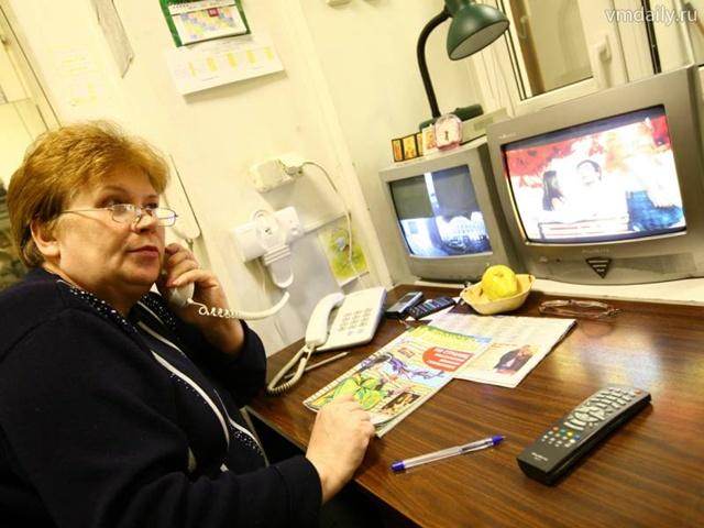 Работа вахтером для пенсионеров в Москве