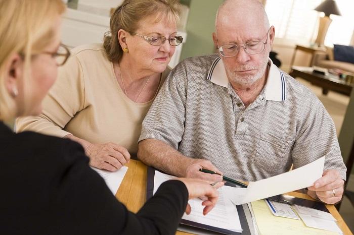 Как взять кредит наличными в Сбербанке пенсионеру 65-75 лет?