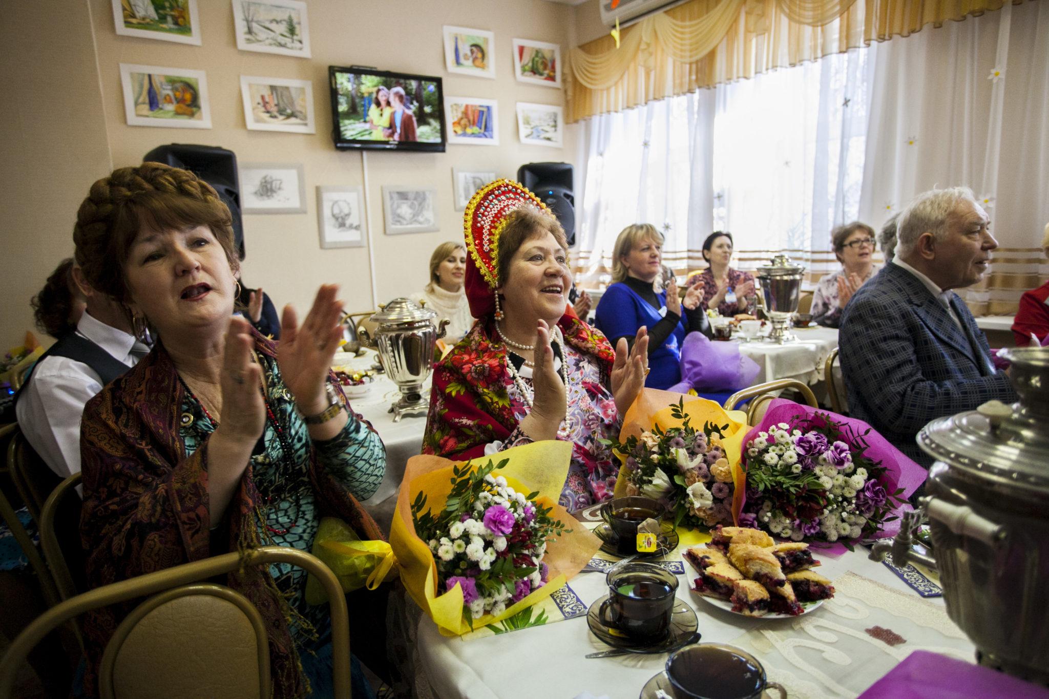 Конкурсы На Знакомство За Столом Для Пенсионеров