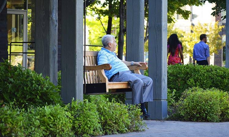 Пенсионный возраст в разных странах мира