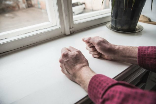 Пенсионер сдает квартиру