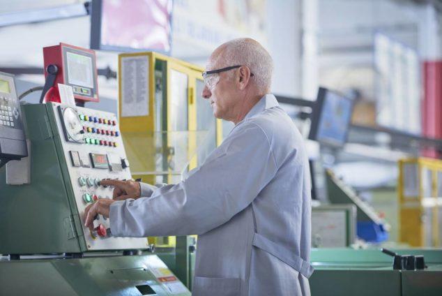 Смогут ли работающие пенсионеры приступить к работе с 15 июня
