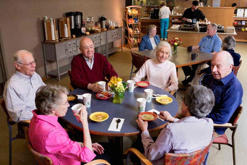 Как попасть в дом престарелых пенсионеру бесплатно